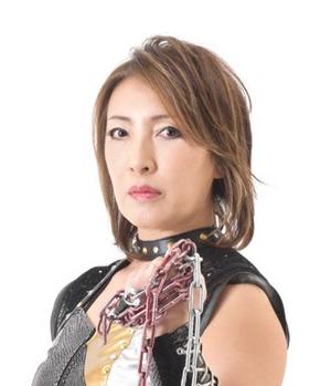 女子プロレスラー 尾崎魔弓さん
